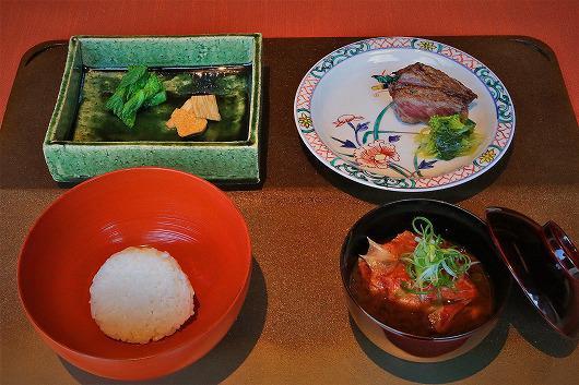 仙台牛炭火焼 と 吉次アラ の 赤だし ~ 3月の食事 ~
