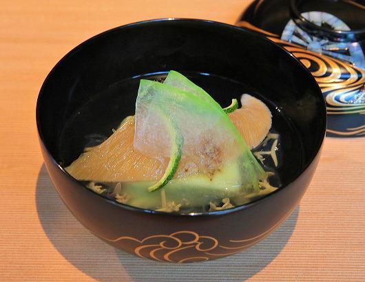ふかひれ茶豆とうふ椀 ~ 8月の御椀 ~