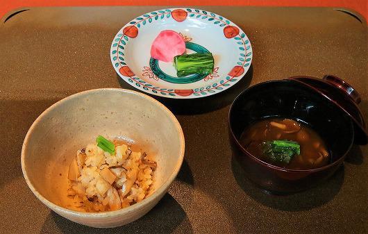 国産松茸御飯 ~ 松茸料理の方の食事 ~