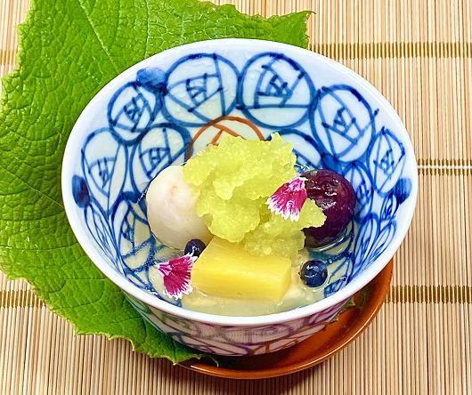 はちみつババロアの氷室 メロンジェリーと季節の果実をそえて ~6月のデザート ~